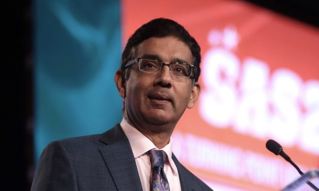 Debanking of Dinesh D'Souza Casts Doubt on Dimon's Claim