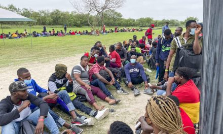 US Releasing Illegal Immigrants Who Test Positive for COVID-19: Texas Police